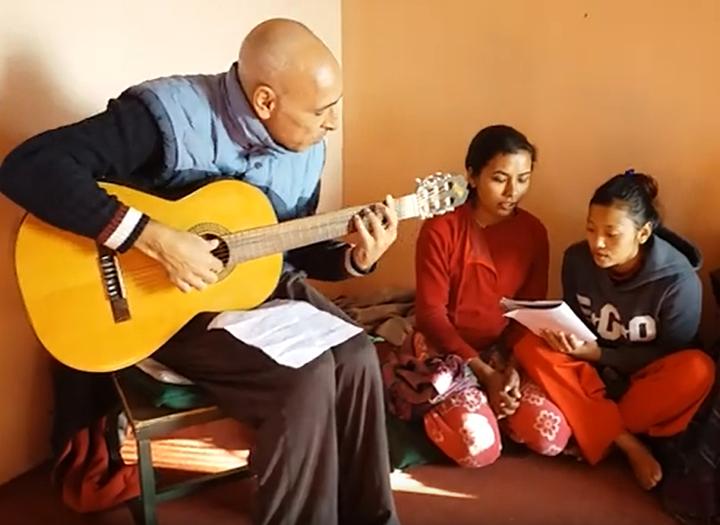 Feliz Navidad desde Nepal (Happy Christmas Song)